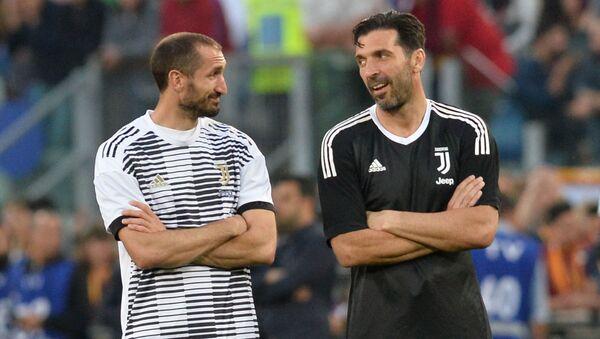 Juventus, Buffon ve Chiellini'nin sözleşmelerini uzattı - Sputnik Türkiye