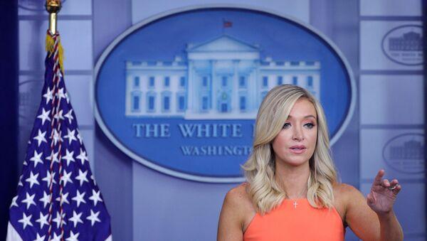 Beyaz Saray Basın Sözcüsü Kayleigh McEnany - Sputnik Türkiye