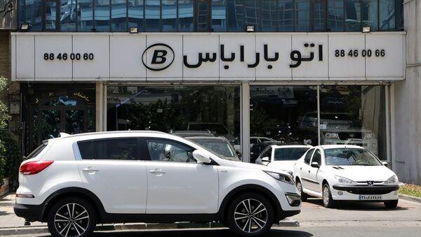 İran'da yerli otomobil üreticileri kurayla satışa başladı - Sputnik Türkiye