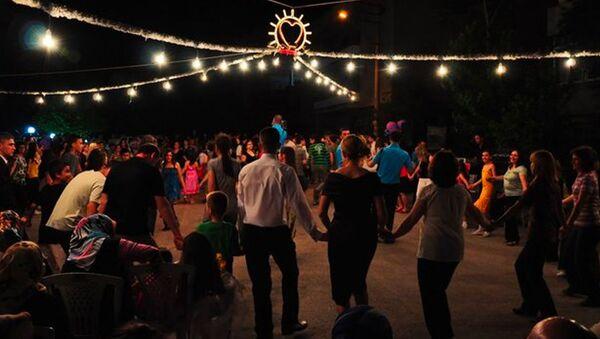 Denizli'de sokak düğünleri yasaklandı - Sputnik Türkiye