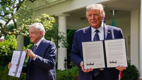 ABD Başkanı Donald Trump ve Meksika Devlet Başkanı Andres Manuel Lopez Obrador - Sputnik Türkiye